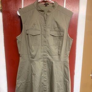 Ann Taylor Military Inspired Sleeveless Coat (10)